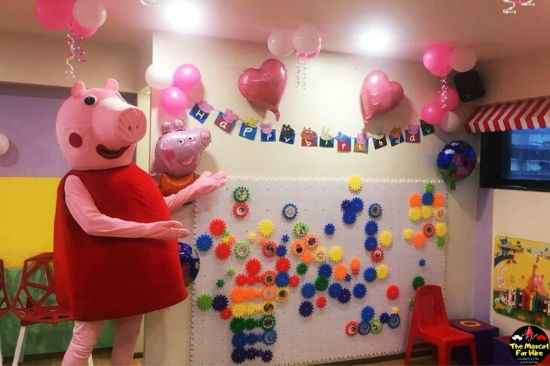 Hire Peppa Pig Mascot in Mumbai